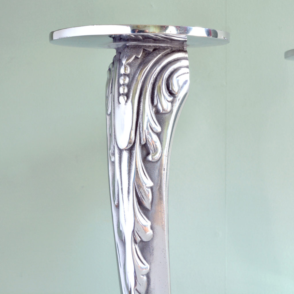 Polished aluminium bar stool bases-89085