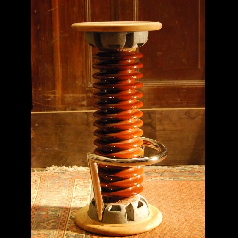 Insulator bar stool in Oak