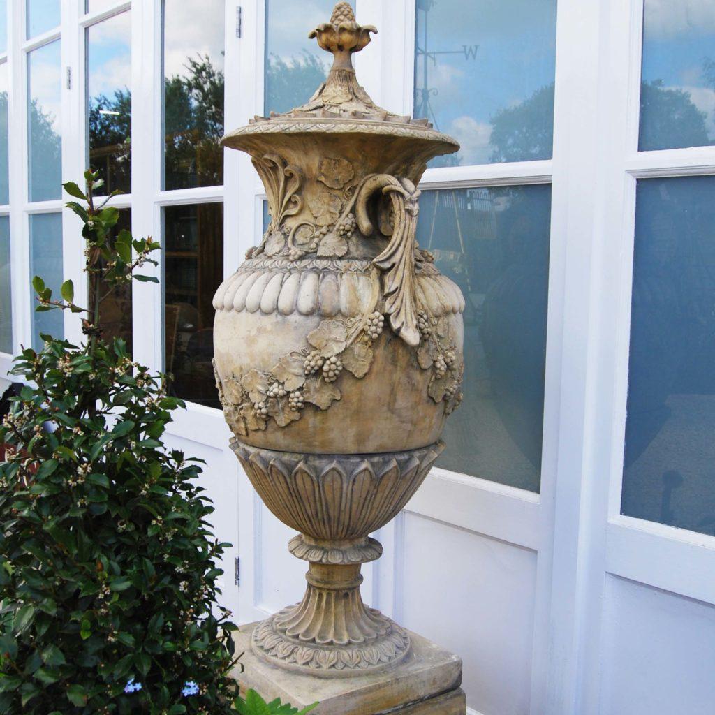 Swedish urn