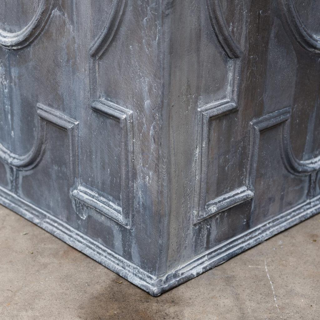 English lead cistern-128271
