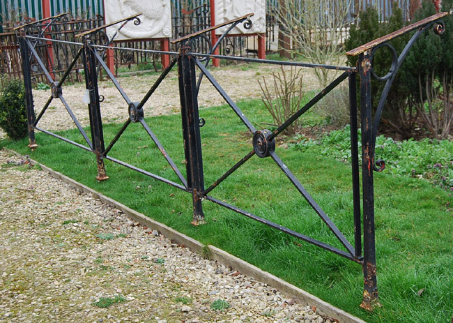 The Somerset House wrought iron balcony railing-0