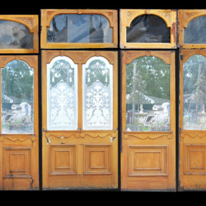 A Victorian etched glass and mahogany pub screen-0