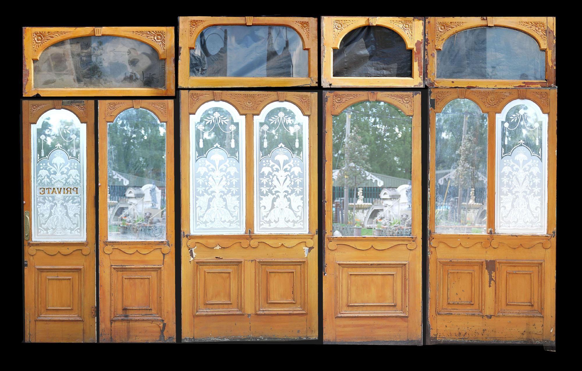 A Victorian etched glass and mahogany pub screen-0