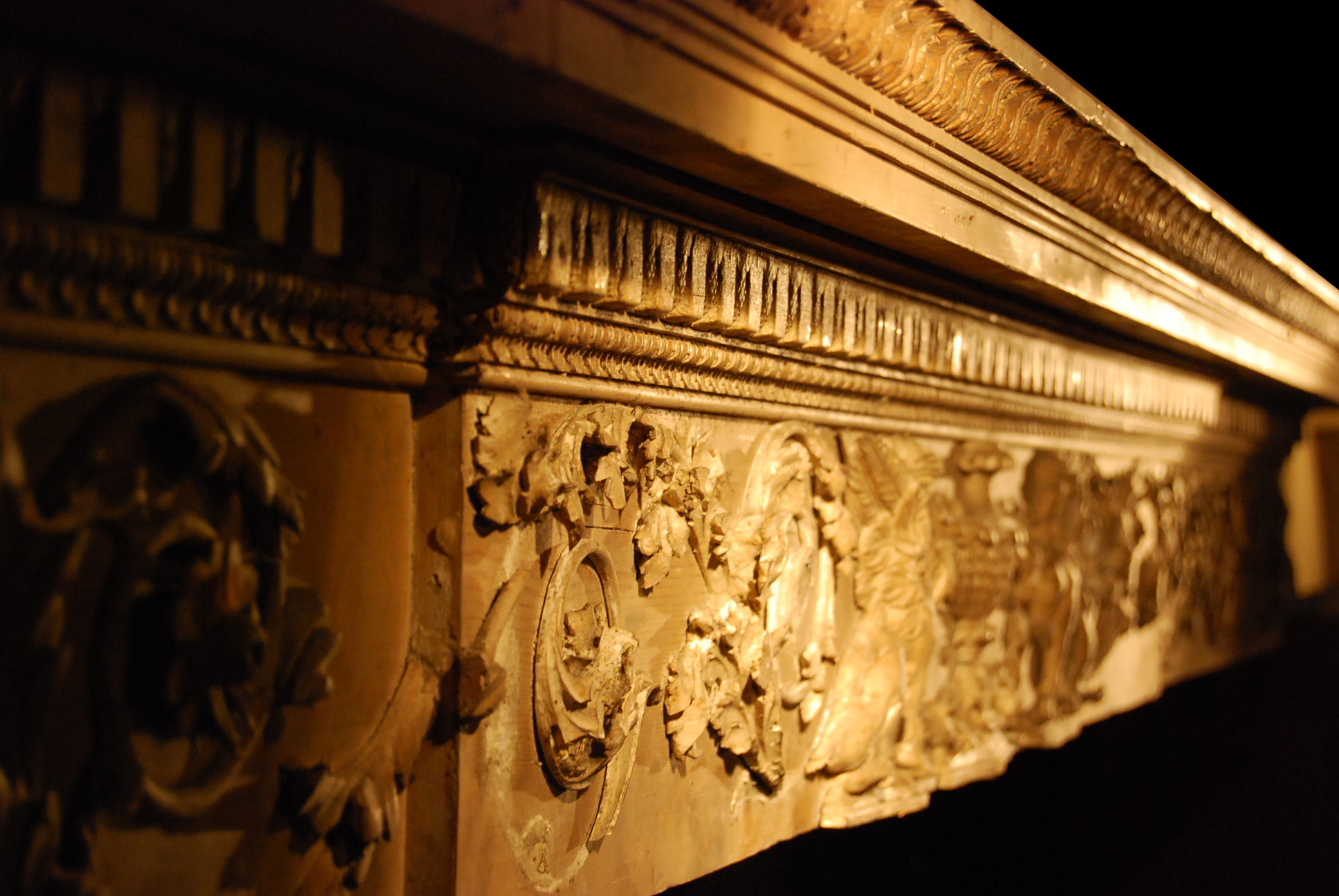 A superb, finely carved George III carved pine and limewood overdoor frieze-65553