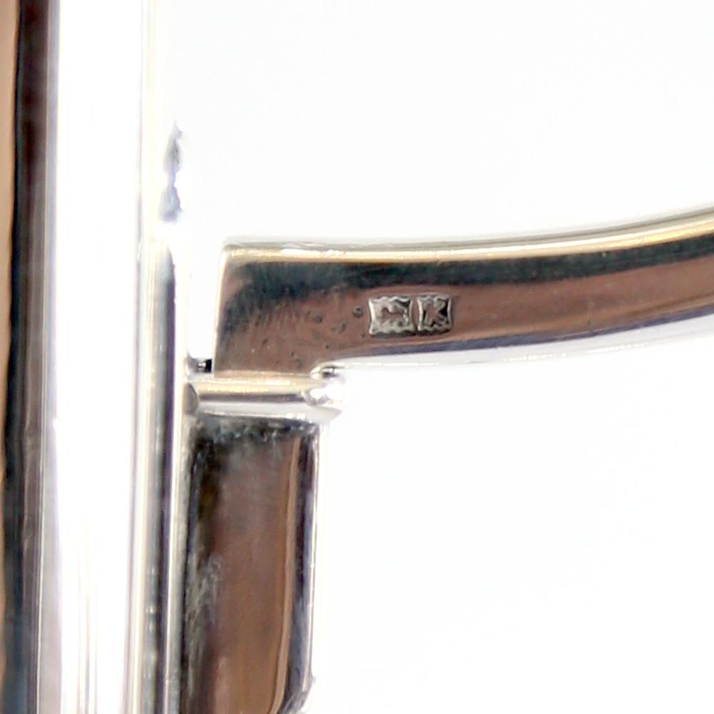 A silver candelabra-82043