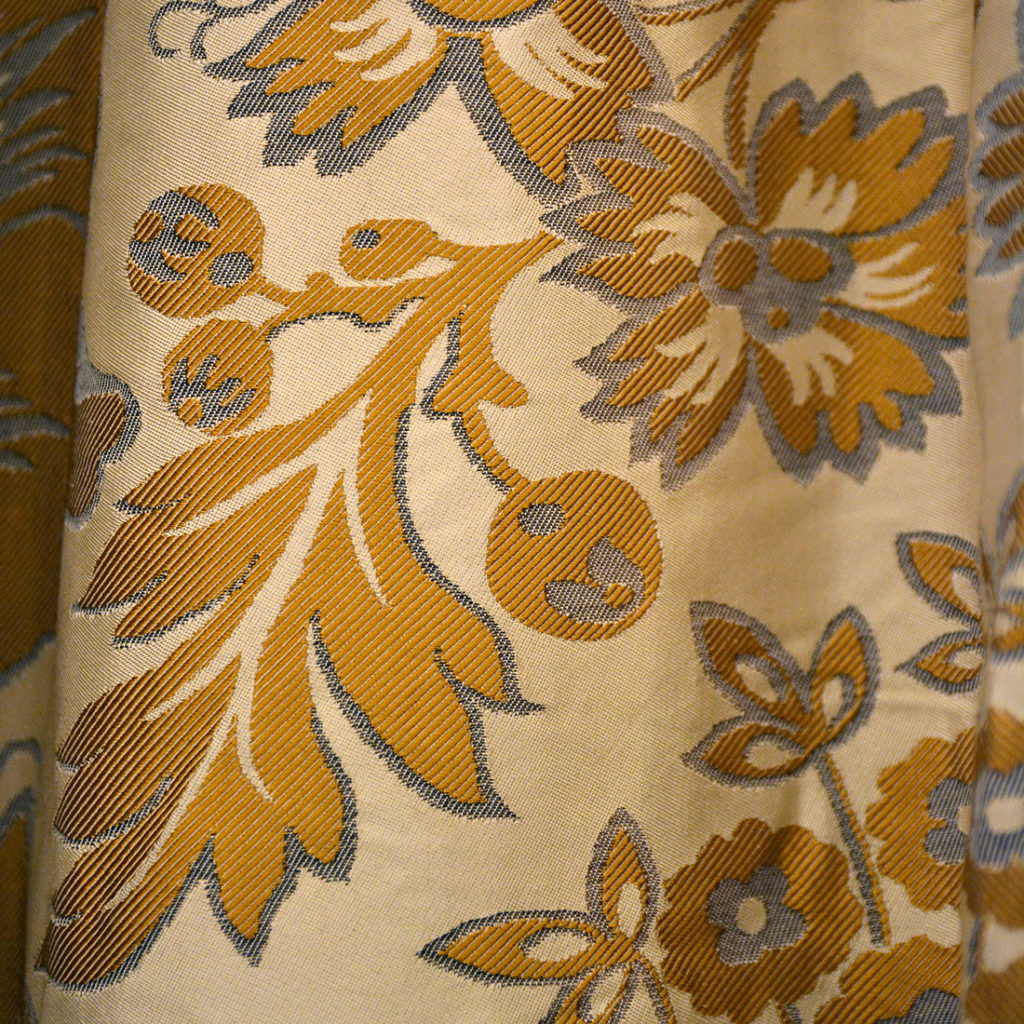 A suite of silk twill damask curtains,-84233