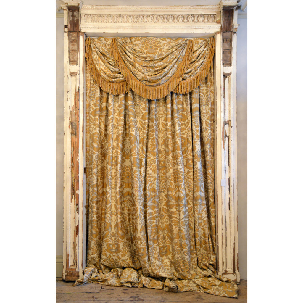 A suite of silk twill damask curtains,-84236