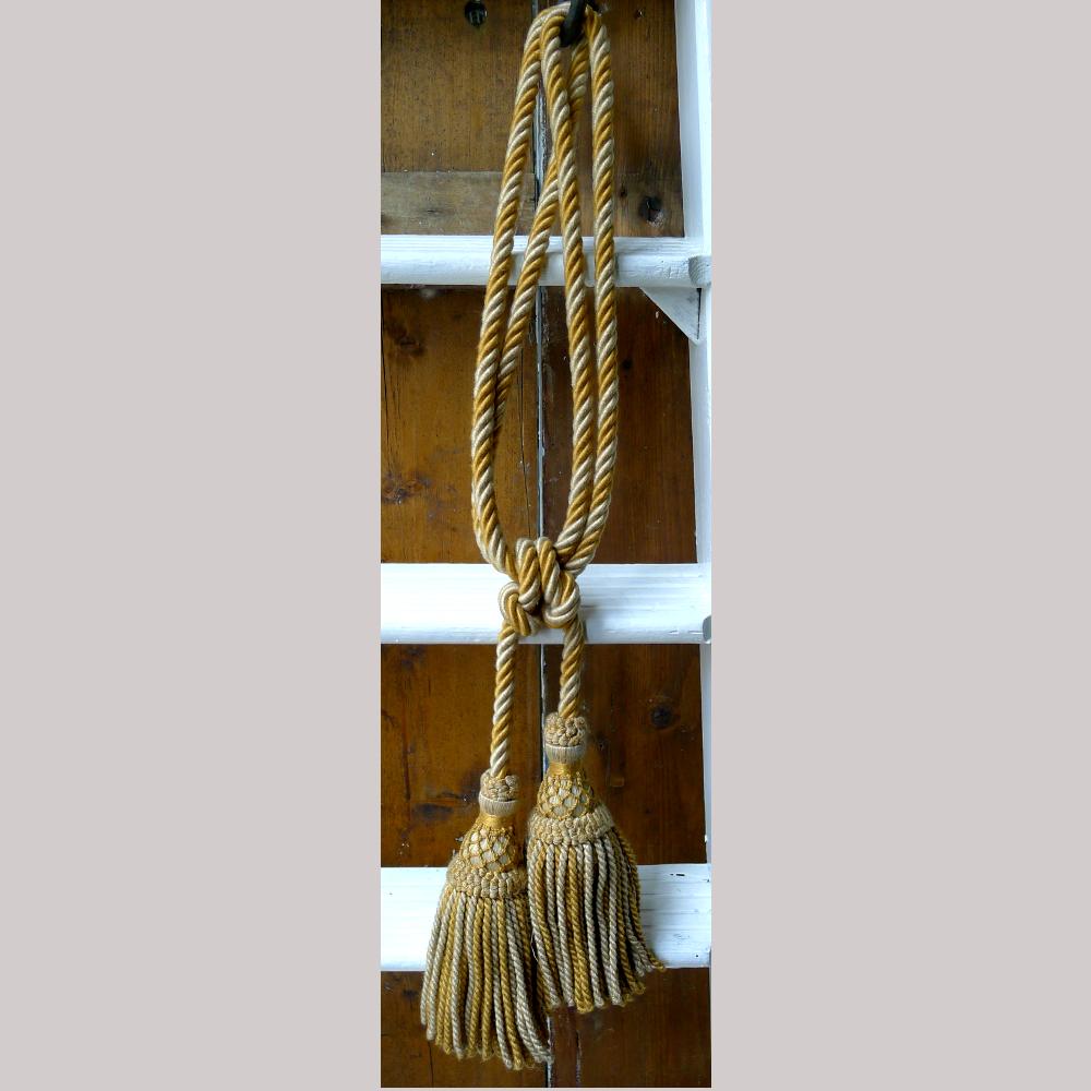 Gold tassels-84580