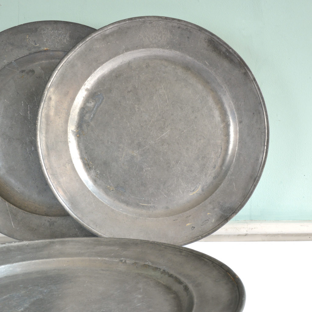Single reeded pewter chargers,-93004