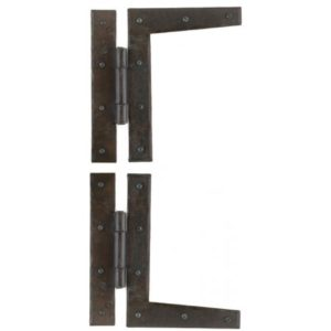 "A pair of wrought iron 7"" H hinges"