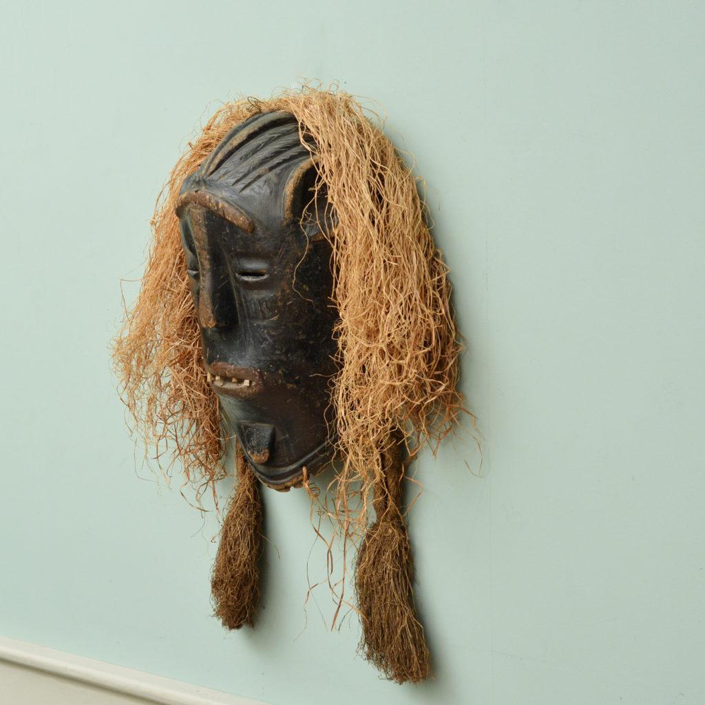 A Poro tribe mask,-86063