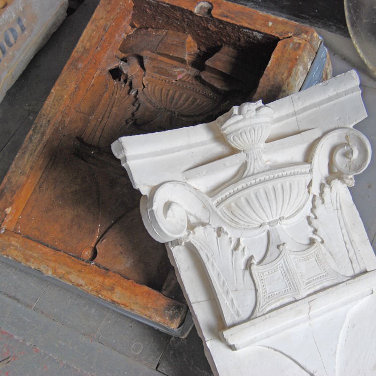 Plaster pilaster capital with the original piece-mould