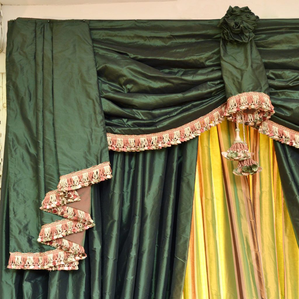A highly decorative suite of double hung silk curtains,-88413