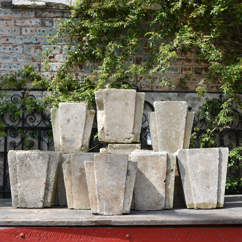 Weathered concrete keystones