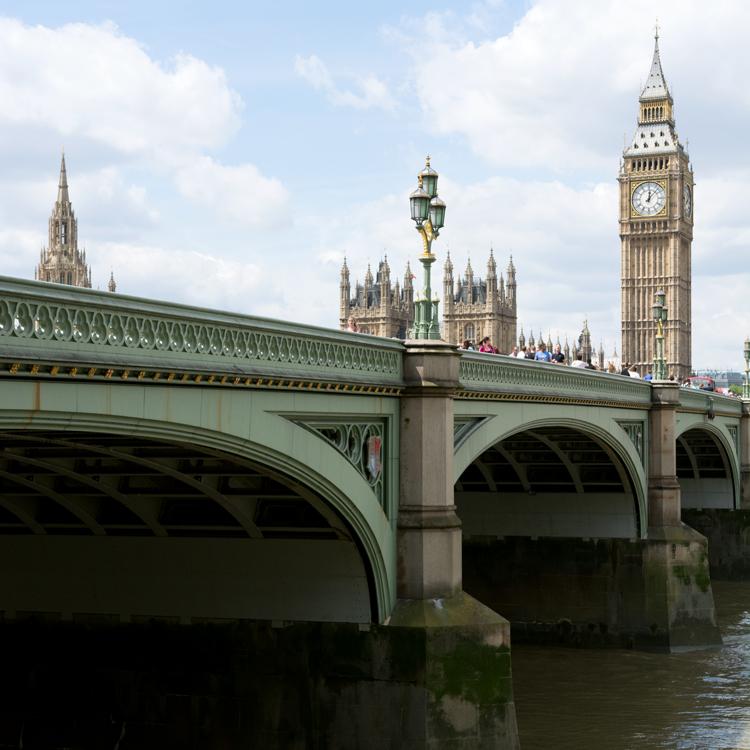 Westminster Bridge parapet