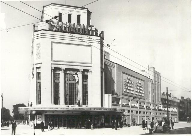 Odeon Holloway (1938) by C. Howard Crane.
