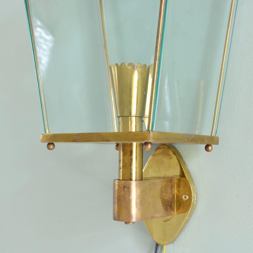 Brass wall mounted lantern, -91975