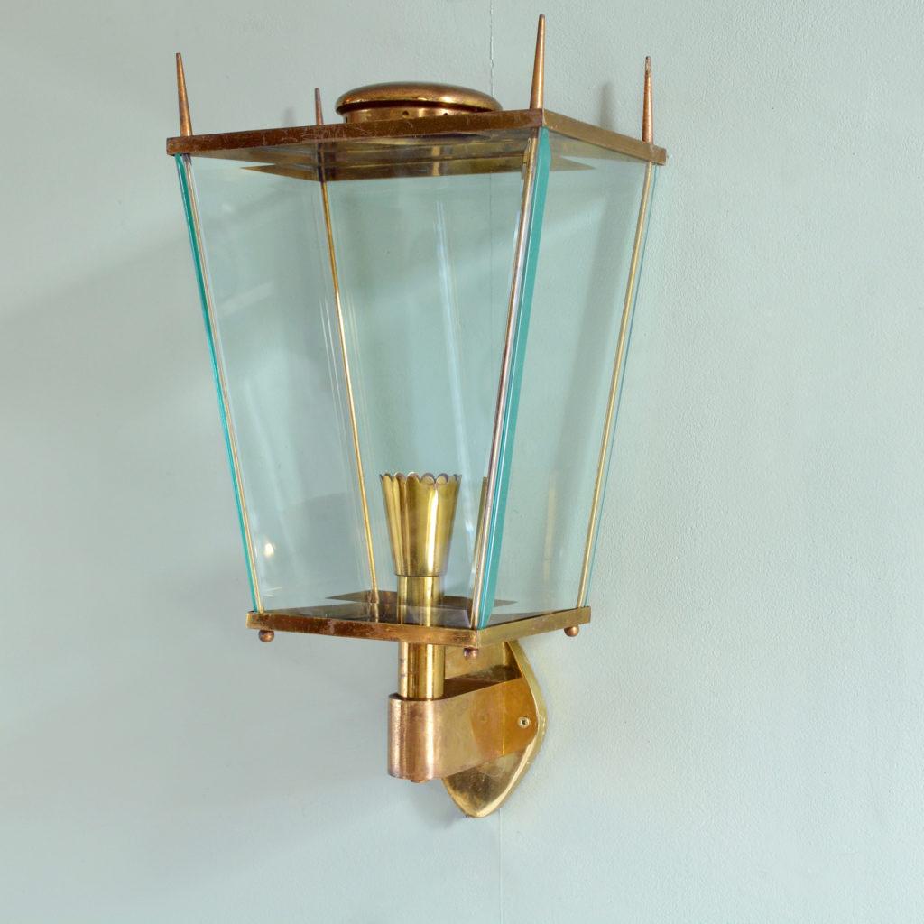 Brass wall mounted lantern, -91974