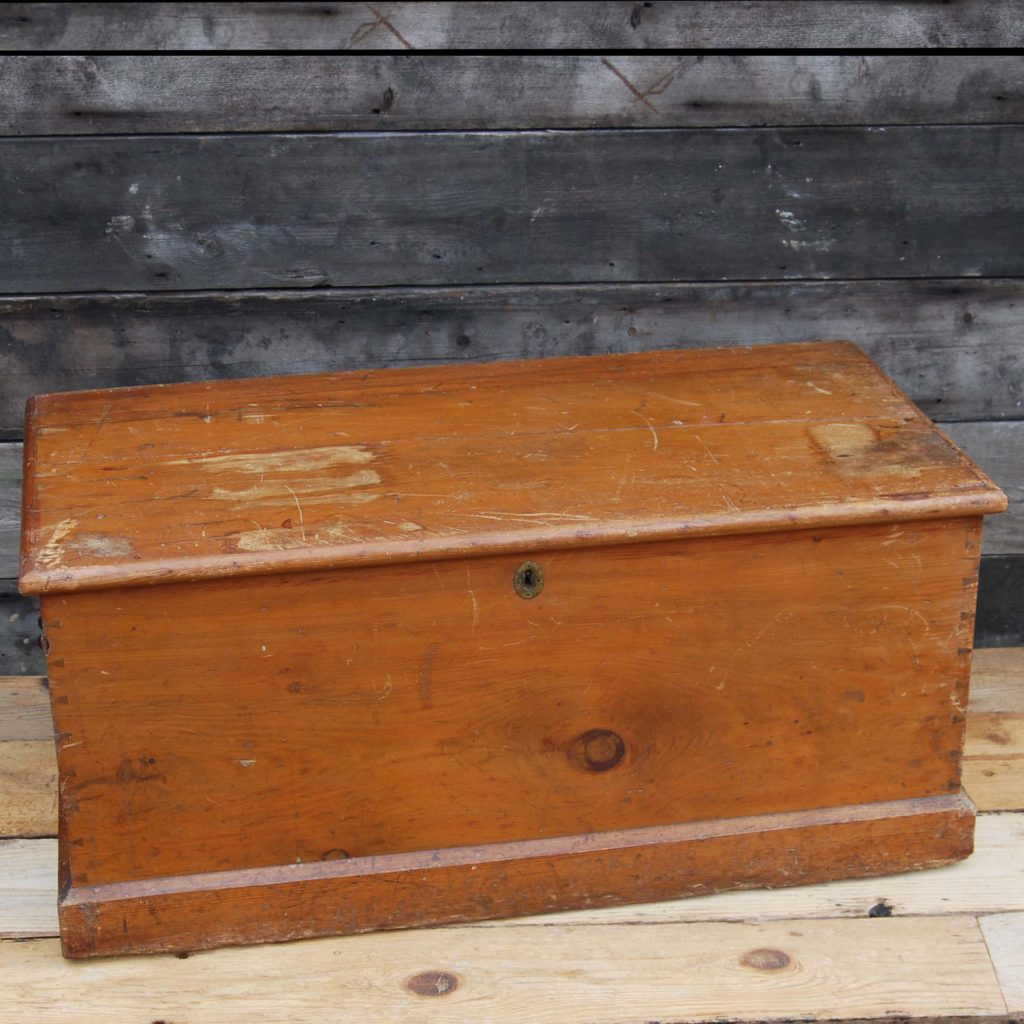 A Victorian pine blanket box-0