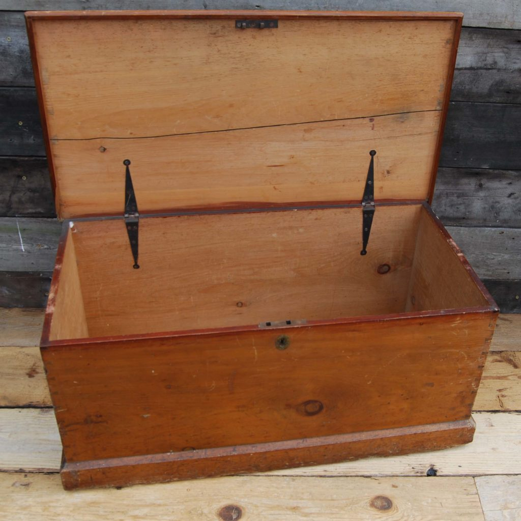 A Victorian pine blanket box-96921