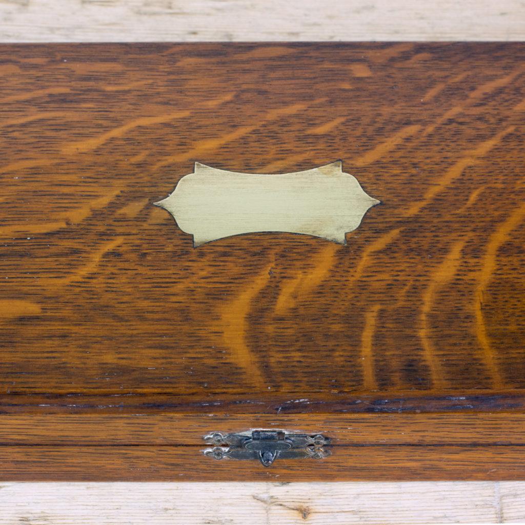A Victorian bone handled carving set,-99423