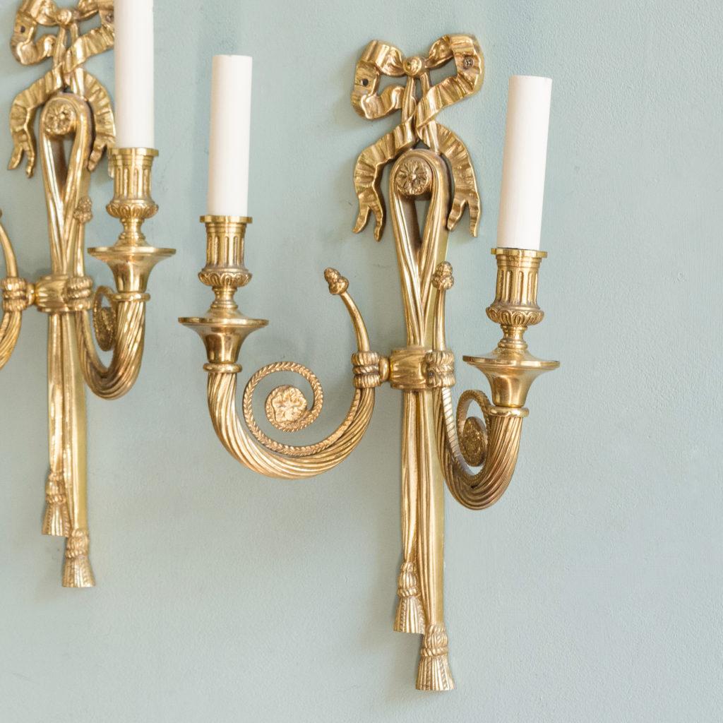 Louis XVI style brass wall light-101407
