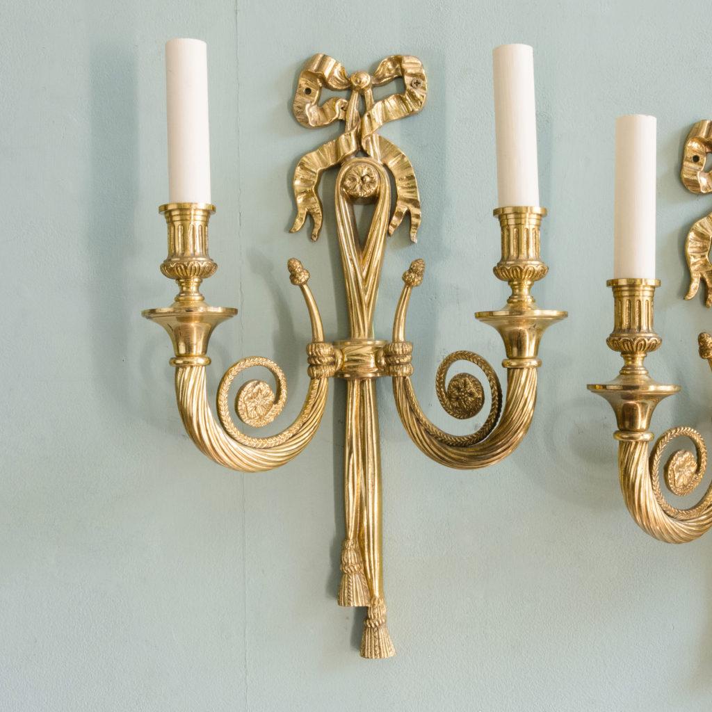 Louis XVI style brass wall light-101406