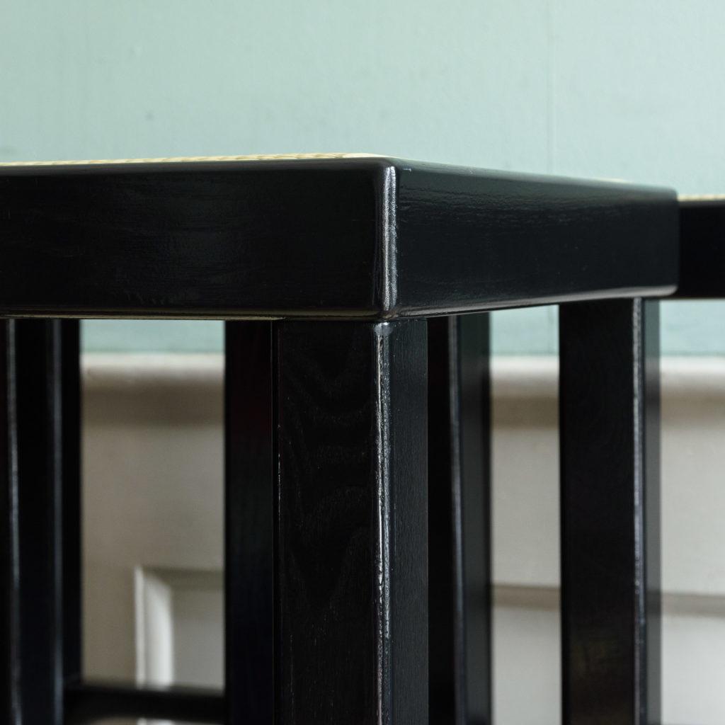 Black lacquer stools,-105526