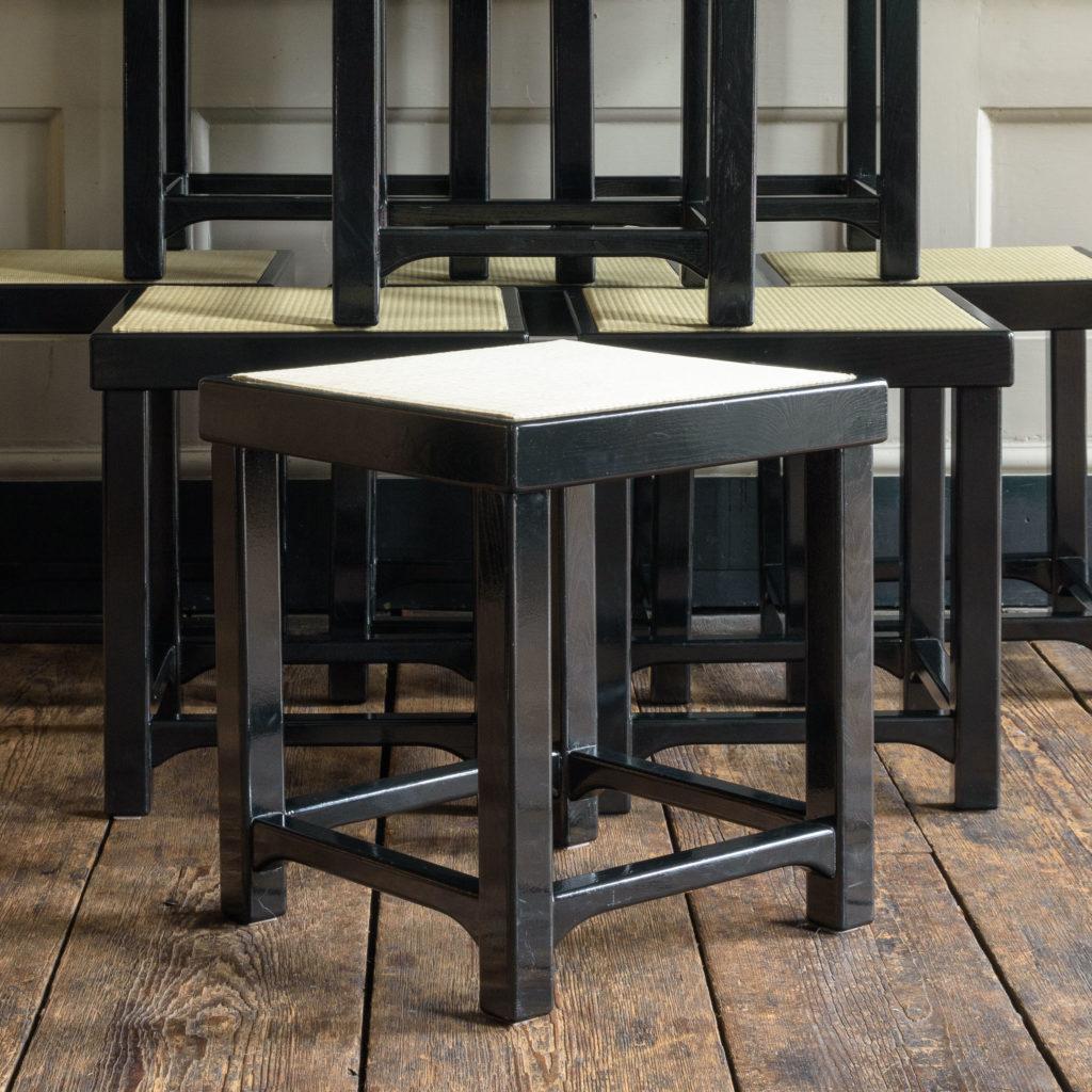 Black lacquer stools,-105525