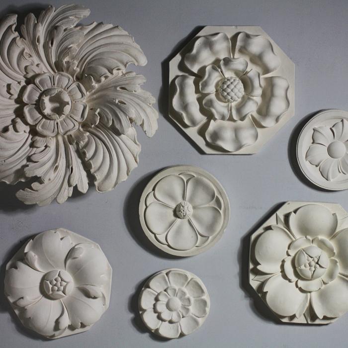 Flowerhead roundels