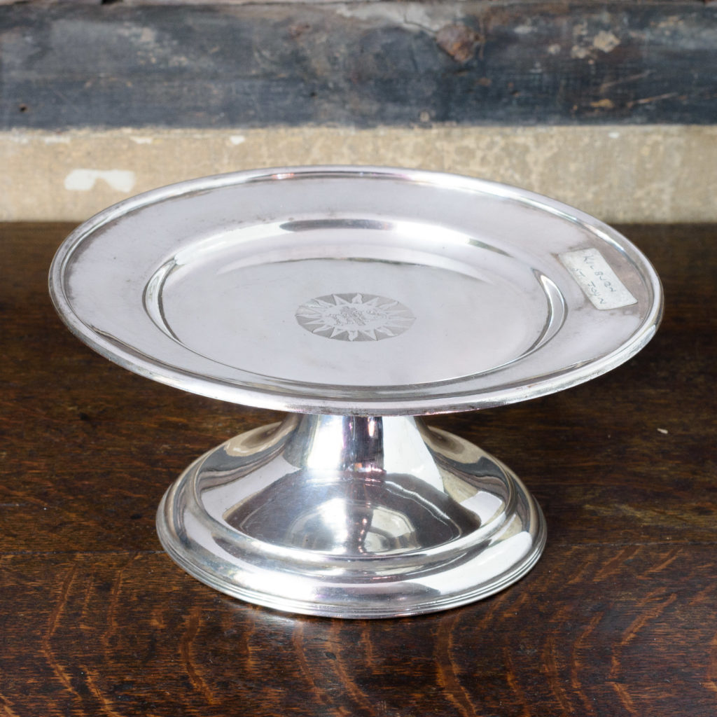 Silverplated communion dish on stand,-0