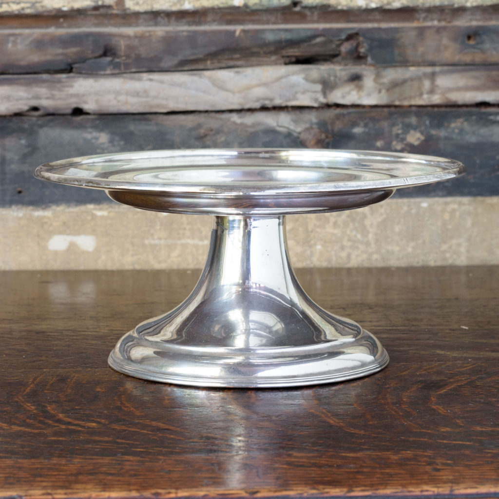 Silverplated communion dish on stand,-109919