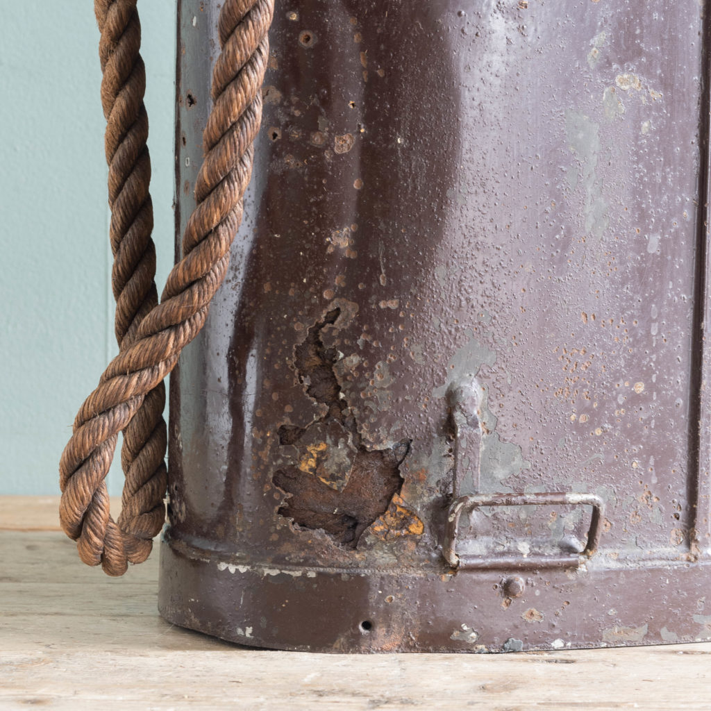 First World War shell carrying case,-110926