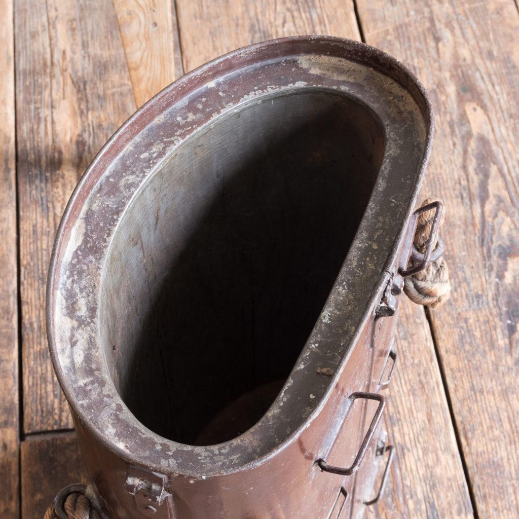 First World War shell carrying case,-110929