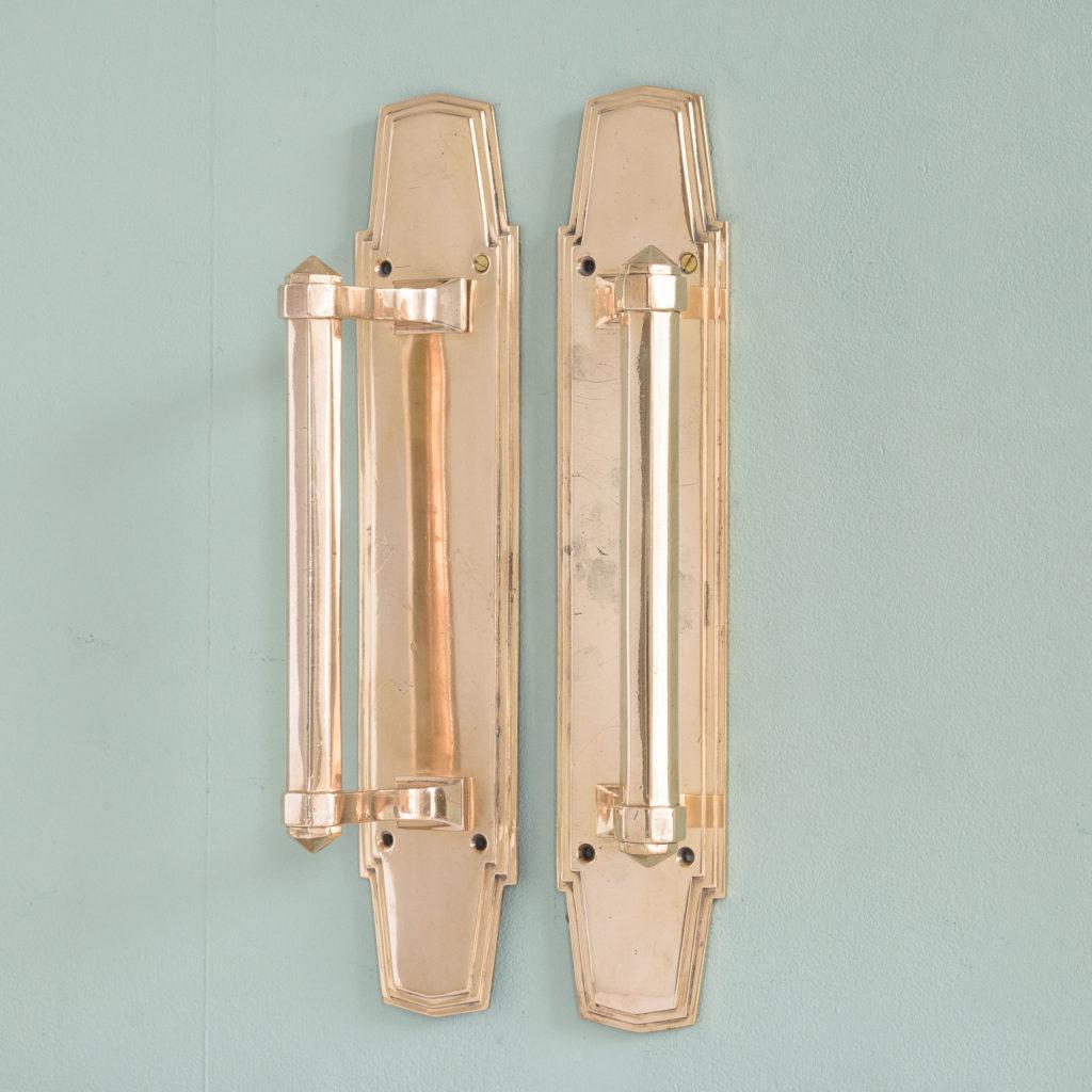 An Art Deco door pull,-110736