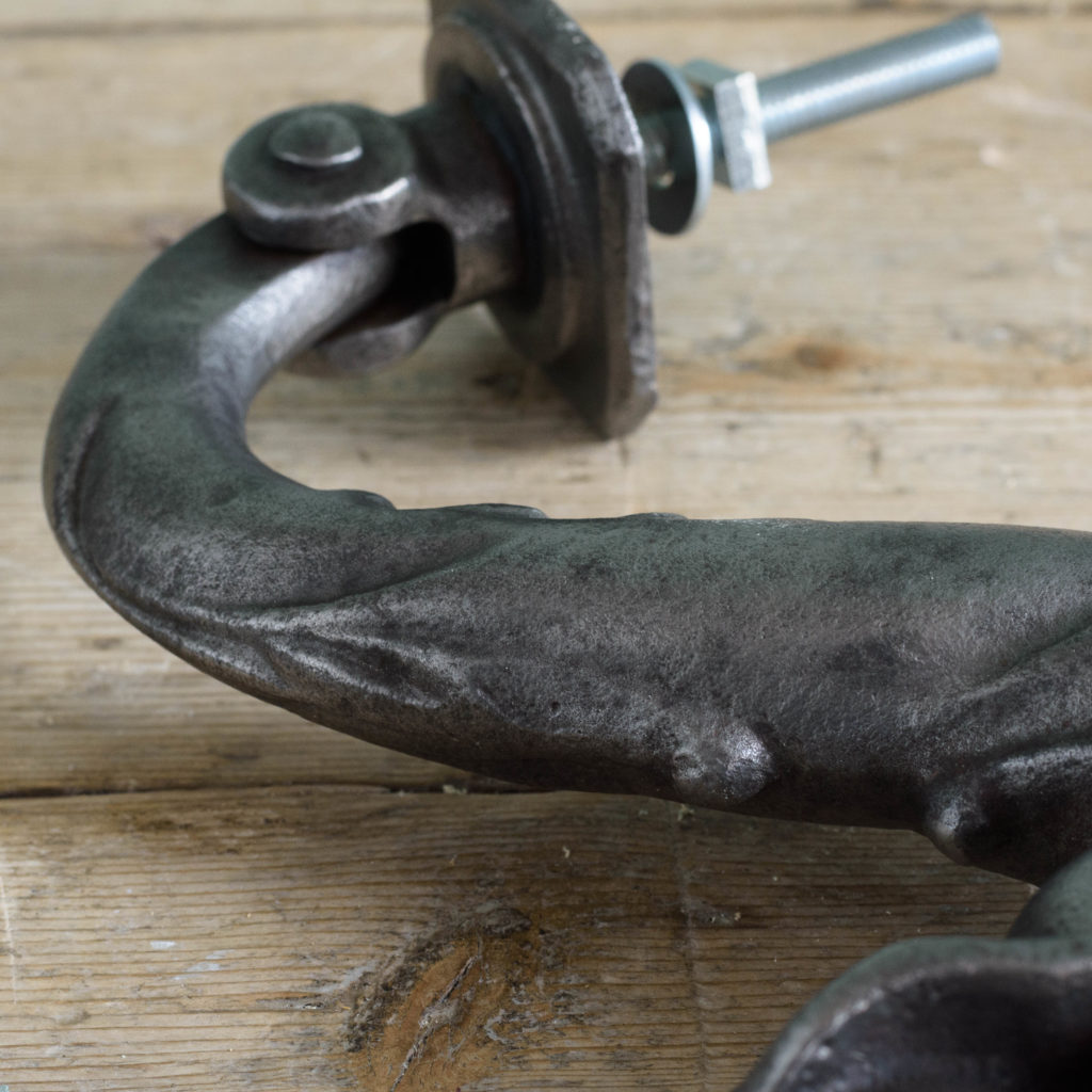 Victorian cast iron door knocker,-111102
