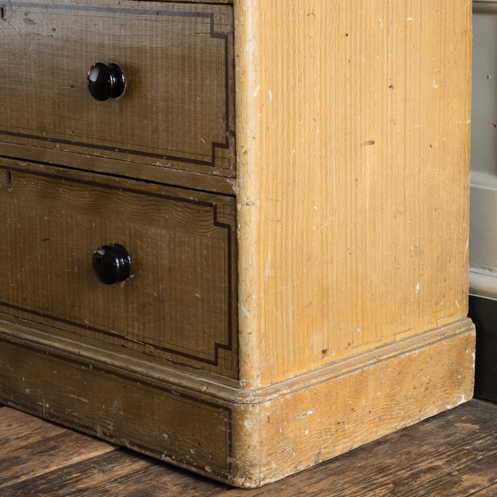 Victorian chest of drawers,-112261