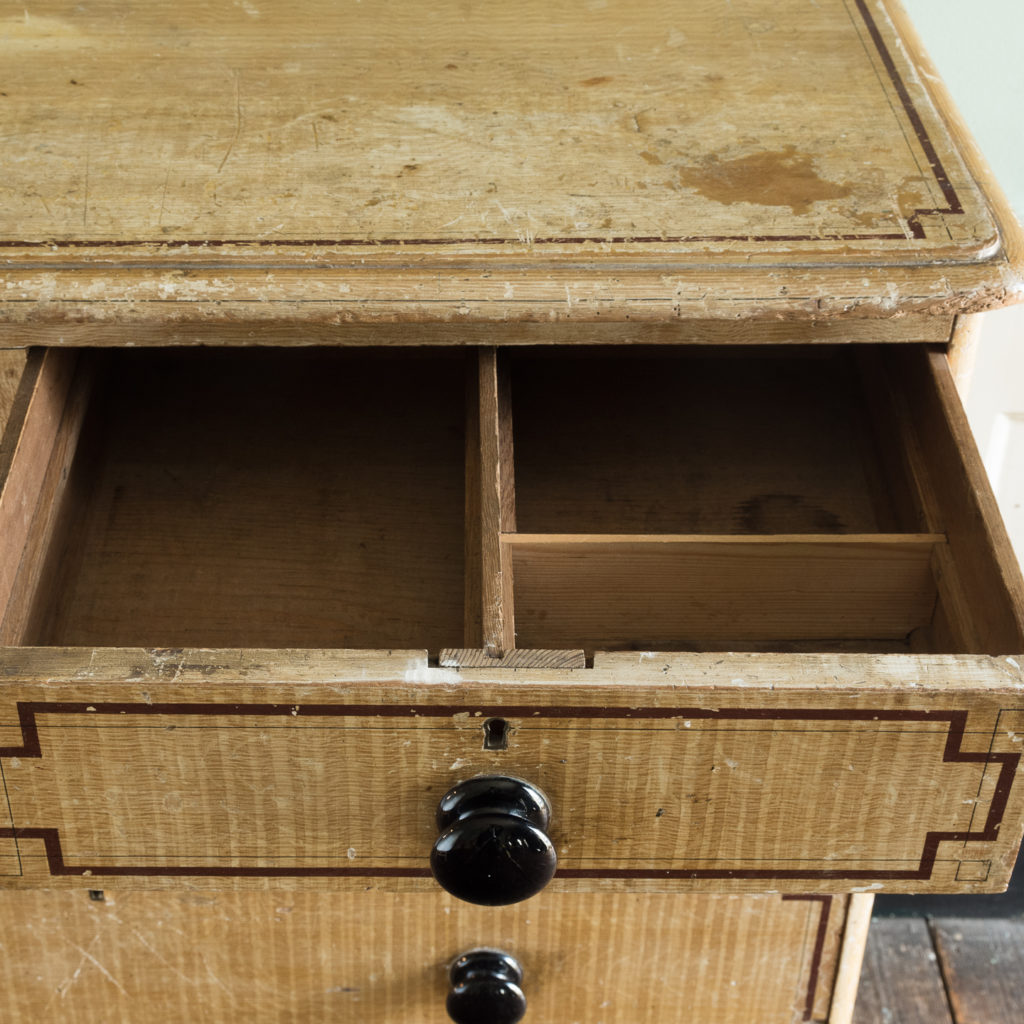 Victorian chest of drawers,-112255