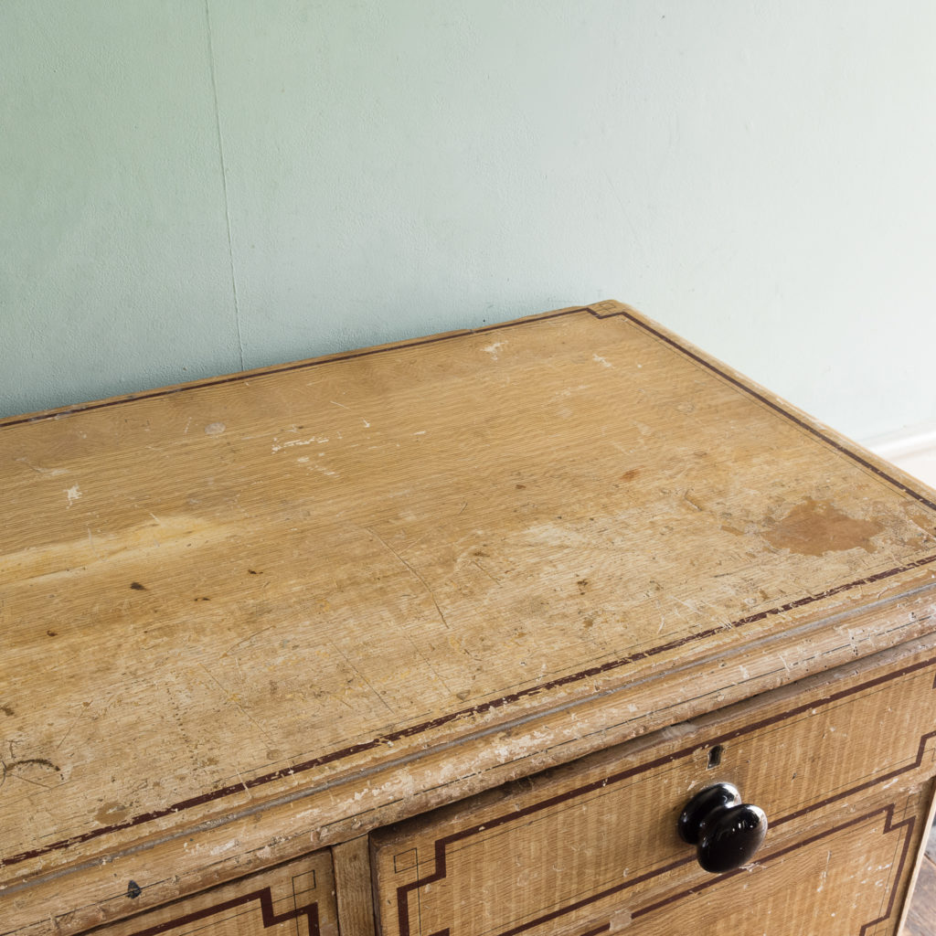 Victorian chest of drawers,-112252