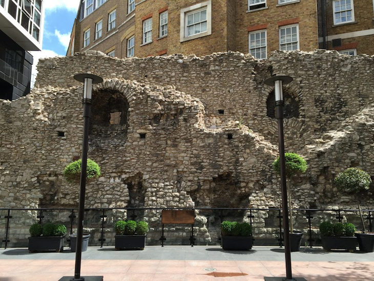 Stretch of Roman Wall at America Square