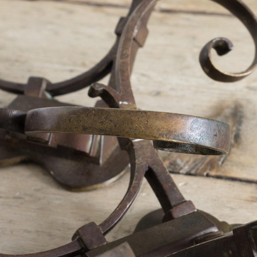Two brass double hooks,-114539
