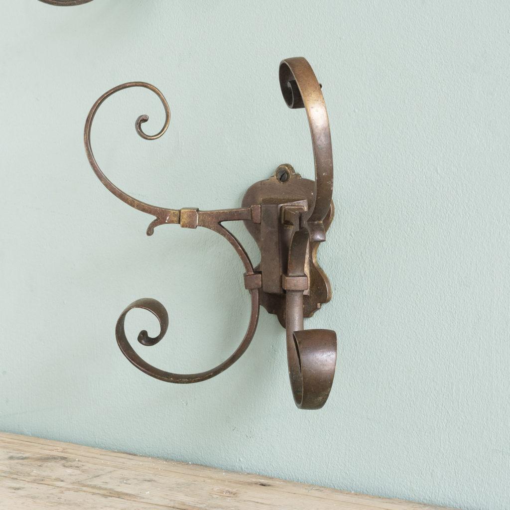 Two brass double hooks,-114545