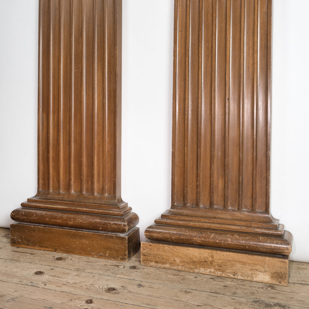 Royal College of Surgeons sapele pilasters,-115007