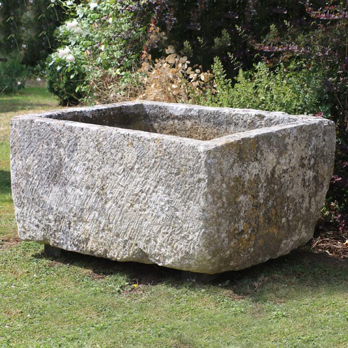 A French limestone cistern-130179