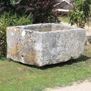 A French limestone cistern-0