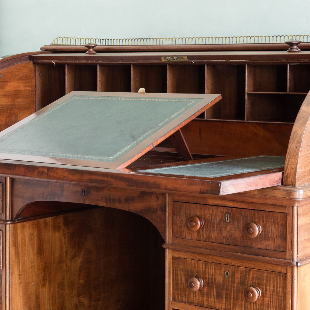 Victorian mahogany cylinder desk,-117718