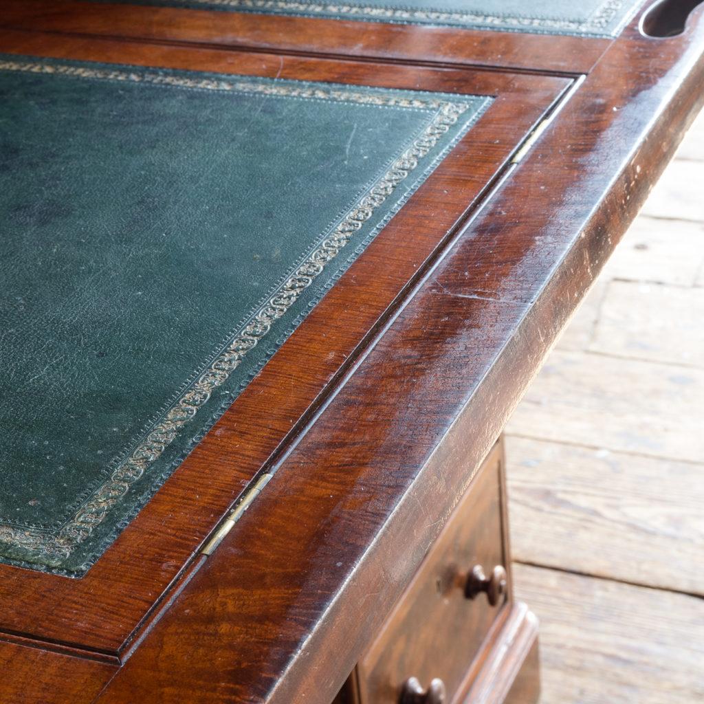 Victorian mahogany cylinder desk,-117717