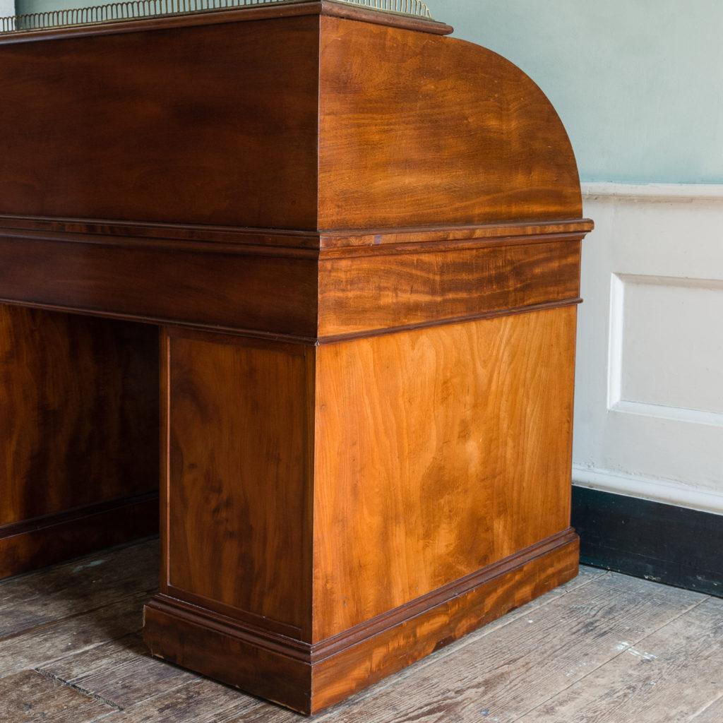 Victorian mahogany cylinder desk,-117711