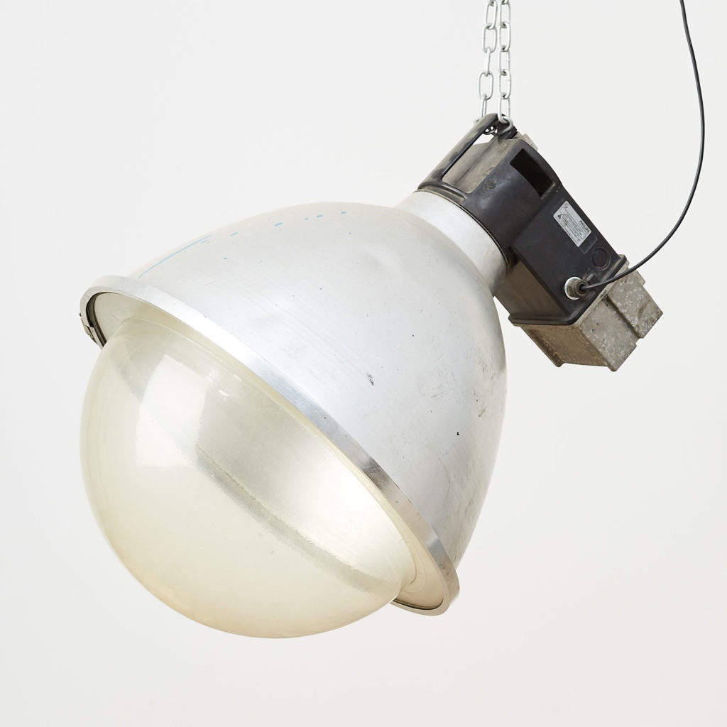 Industrial domed light,-0