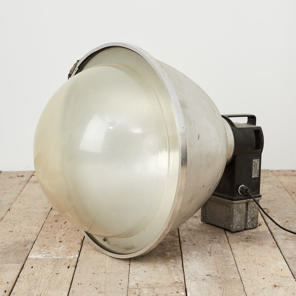 Industrial domed light,-118333